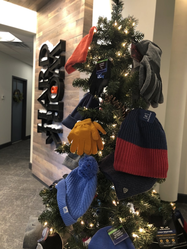 CW Givesback Holidays